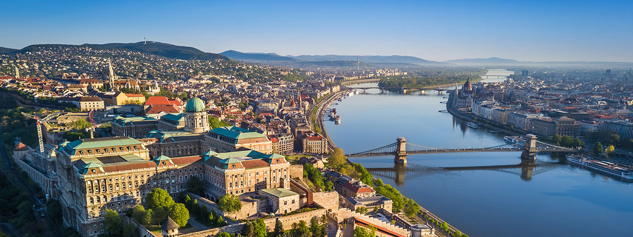 Thinking of expanding your business to Hungary? Contact AVASK for help and support.